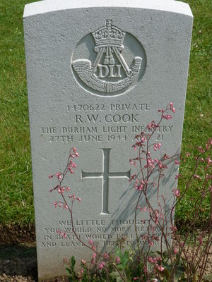 Pte R W Cook's CWGC headstone.