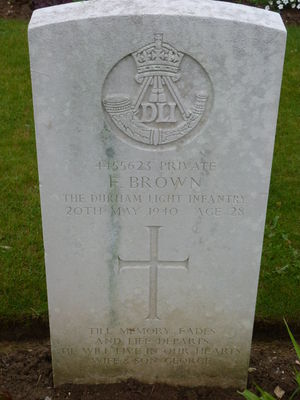 Pte F Brown's CWGC headstone.