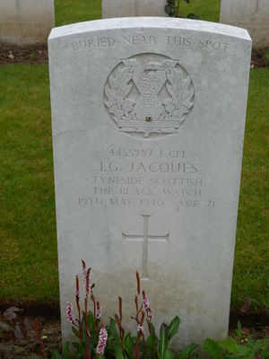 L/Cpl J G Jacques' CWGC headstone.