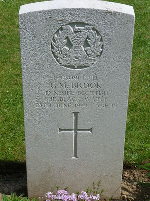 L/Cpl G M Brook's CWGC headstone.