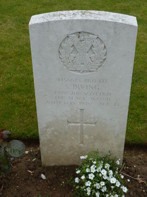 L/Cpl S Irving's CWGC headstone.