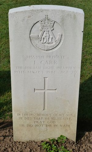 Pte L Carr's CWGC headstone.